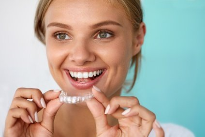 Zahnarzt in St.Gallen durchsichtige Zahnschienen